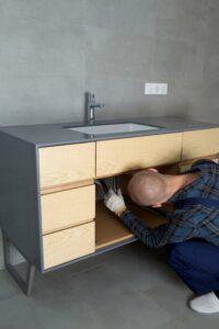 Setsubi-equipment-installer
